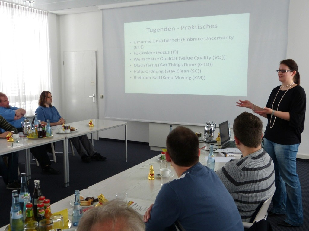 Astrid referiert über das Thema Clean Code Development